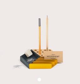Organiseur de bureau KESITO - Bleu, jaune et pin