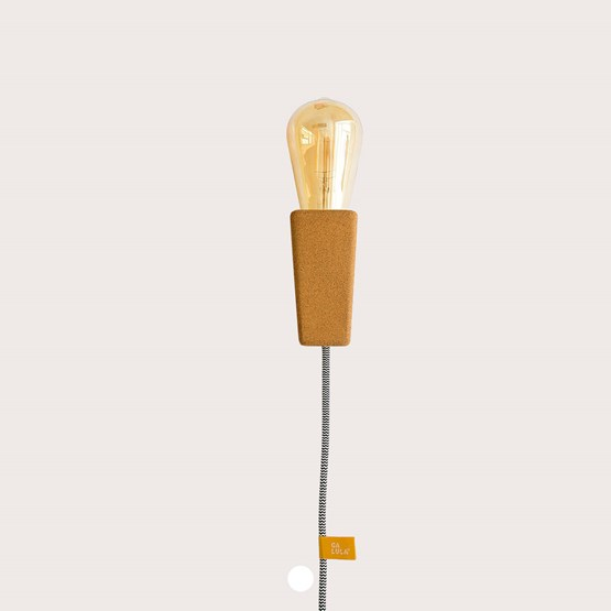 MAGNETO   magnetic wall-desk lamp - Design : Galula Studio