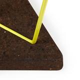 Tabouret/Table TRÊS-  liège foncé et piètement jaune  7